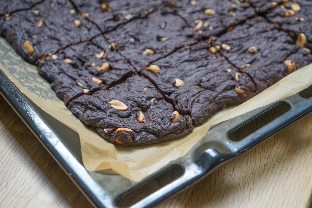 Schoko-Brownies mit gesalzenen Erdnüssen 2