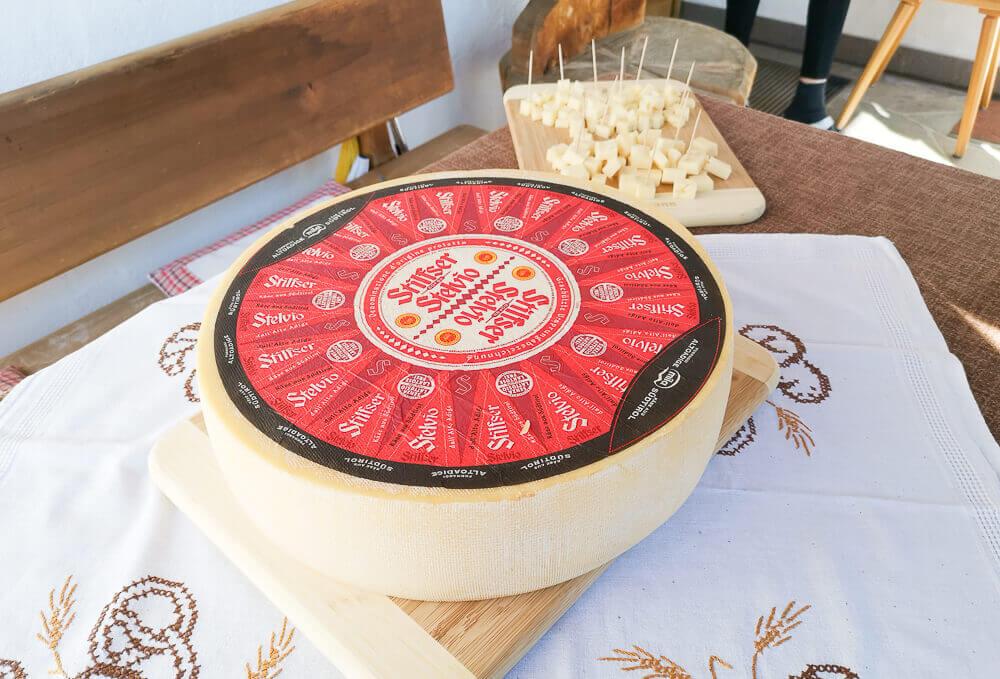 Stilfser Käse, Südtirol - Stilfser Käse als ganzer Laib