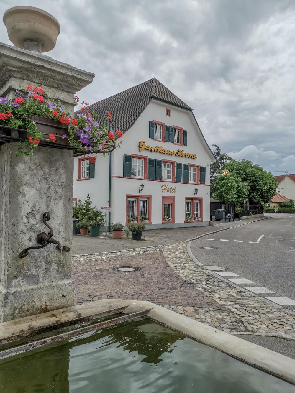 Hotel & Restaurant Krone, Weil am Rhein - Gasthaus Krone von der Straße