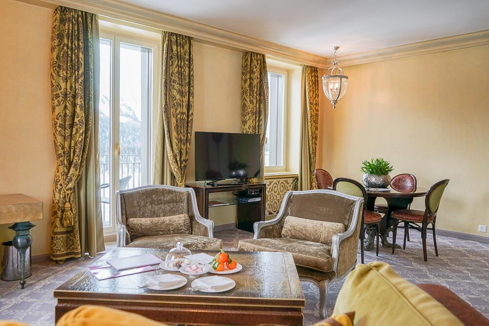 Carlton Hotel St.Moritz - Sitzecke zur Terrasse