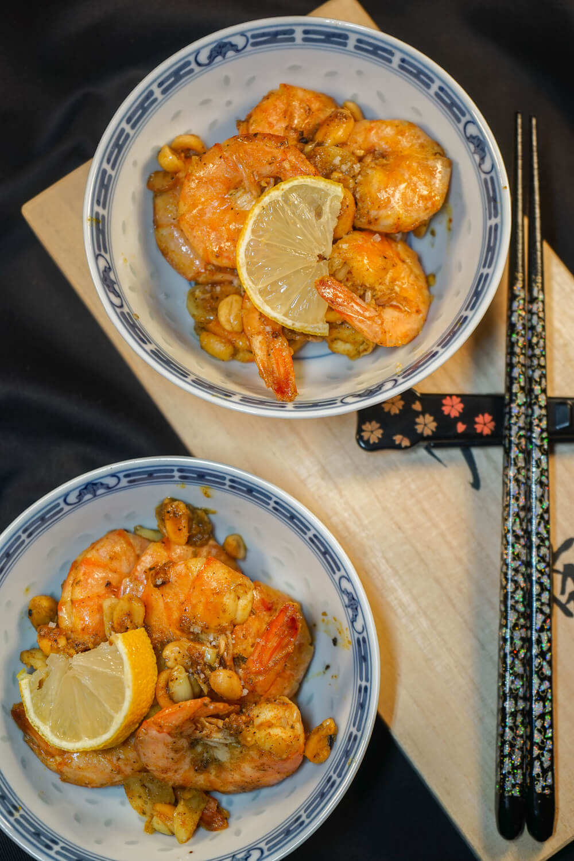 Curry Garnelen mit gerösteten Erdnüssen und Knoblauch 1