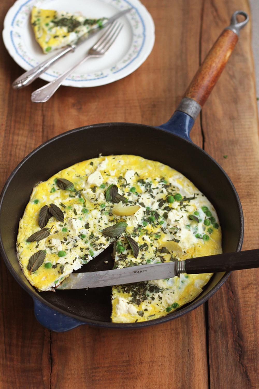 Erbsen-Minze-Frittata zum Frühstück