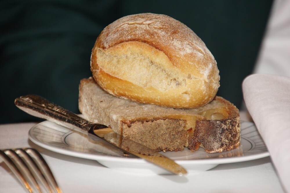 Le Pavillon de la Grande Cascade, Paris - selbstgemachtes Brot