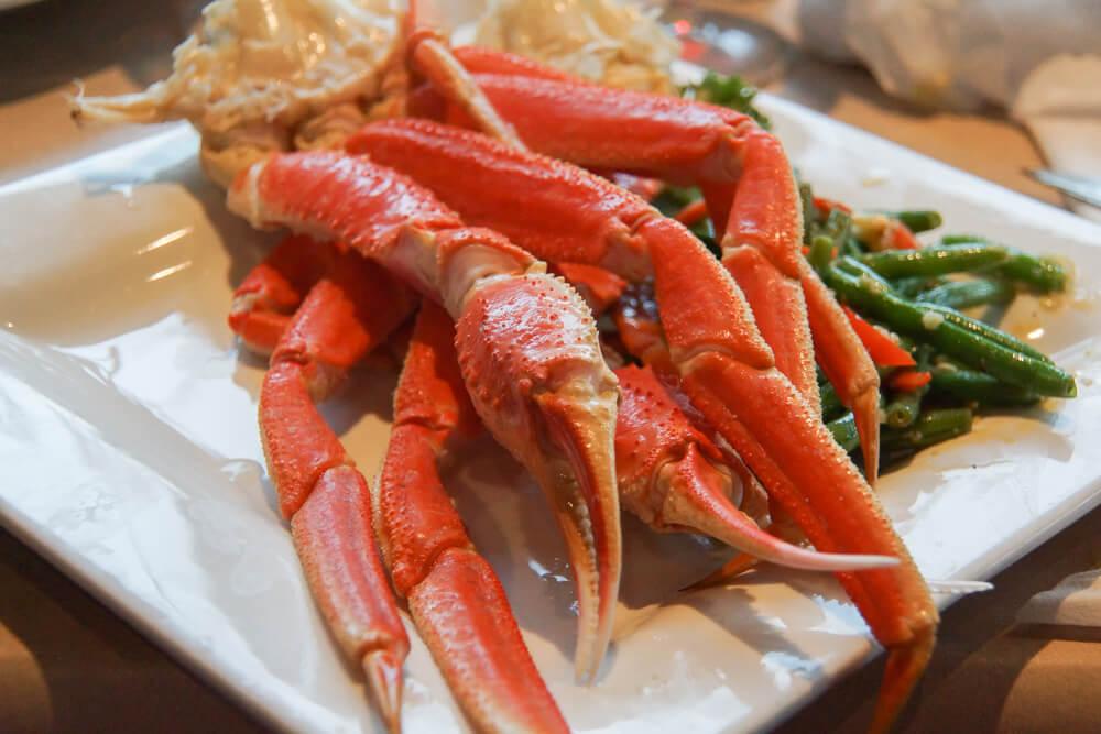 Bar Harbor Ale House, Ketchikan - King Crab und Beilagen