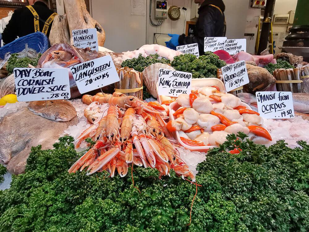 Borough Market, London - Jakobsmuscheln und Fisch