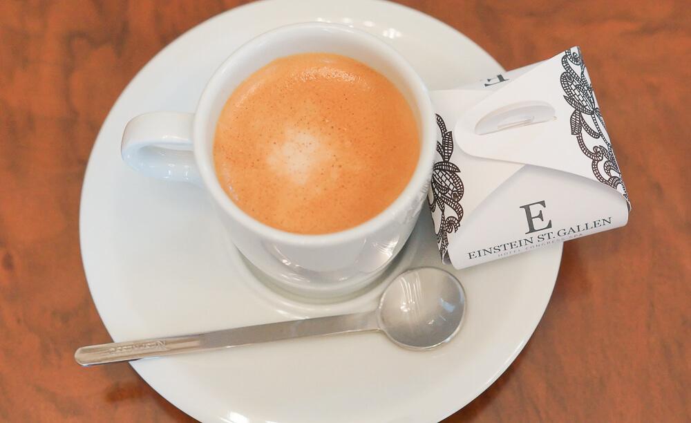 Hotel Einstein St. Gallen - Kaffee vor dem Frühstück