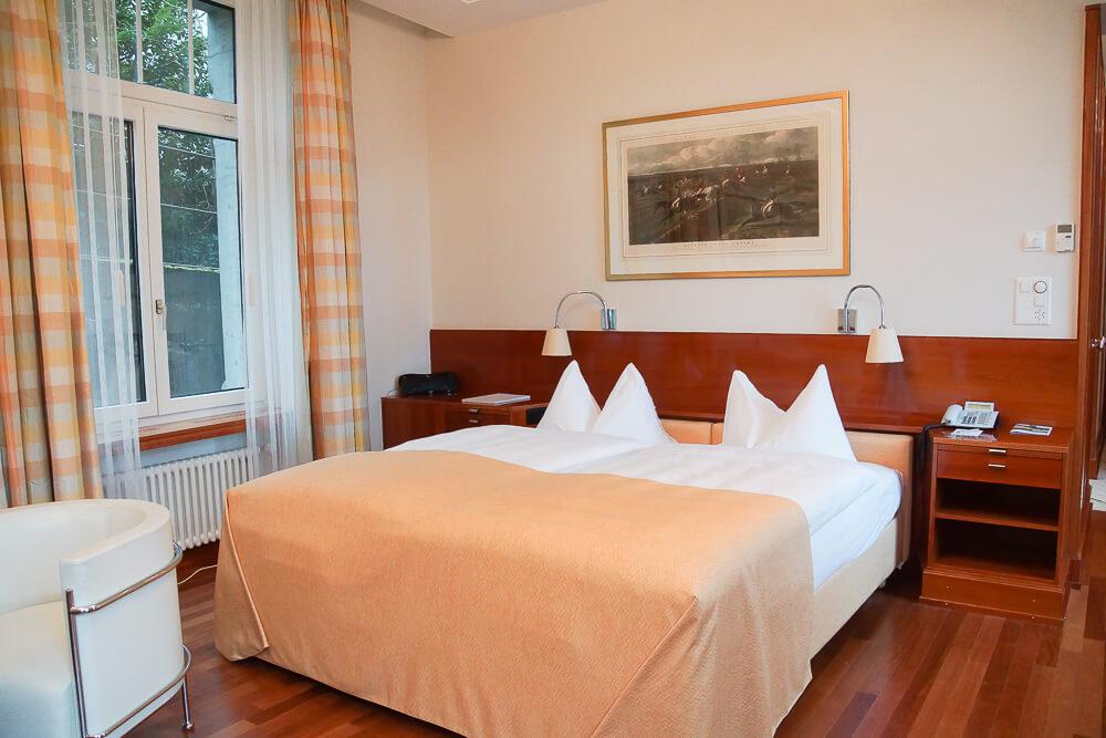 Hotel Einstein St. Gallen - bequeme Kingsize Betten