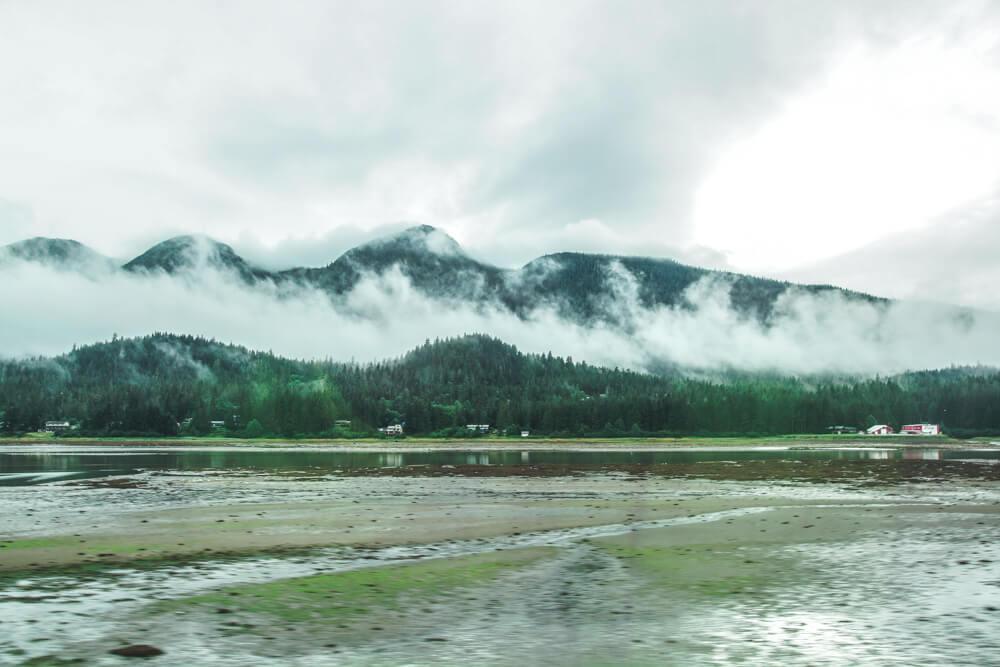 Mendenhall-Gletscher - mystischer Frühnebel