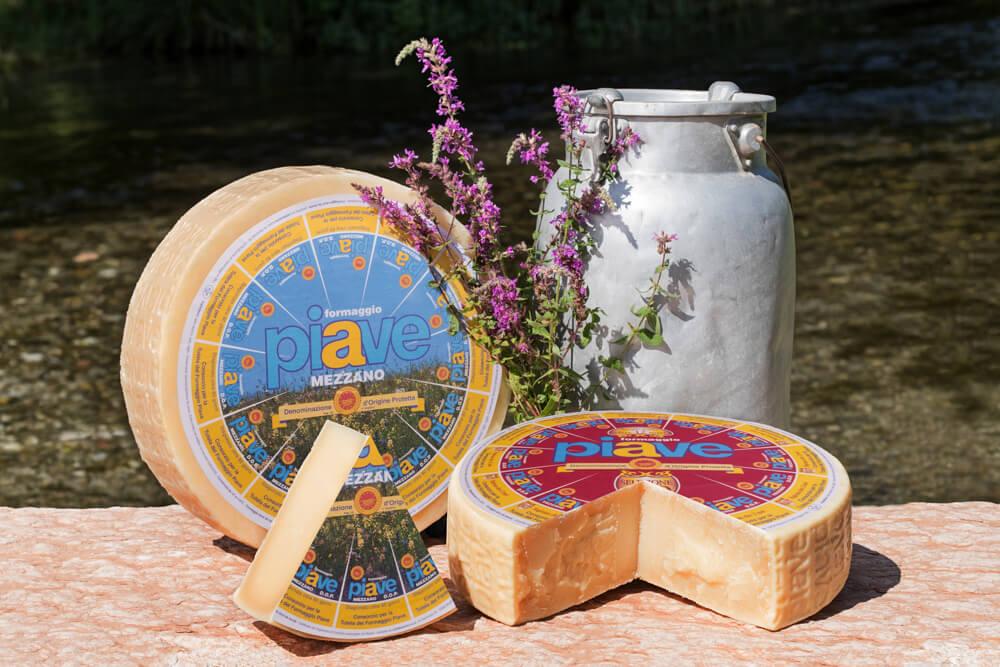 Piave Käse von den Belluneser Dolomiten